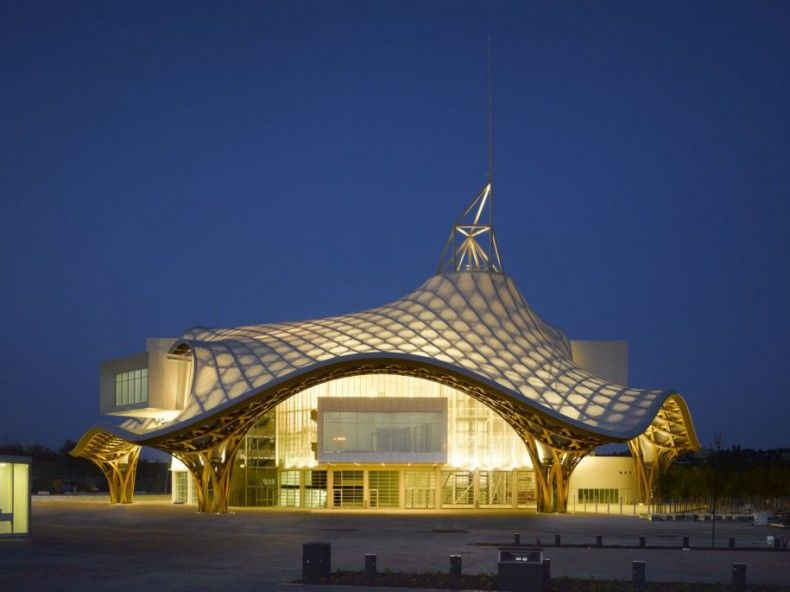 503616 the centre pompidou metz in metz france has a lattice roof inspired by a chinese bamboo hat ΜΟΥΣΕΙΑ