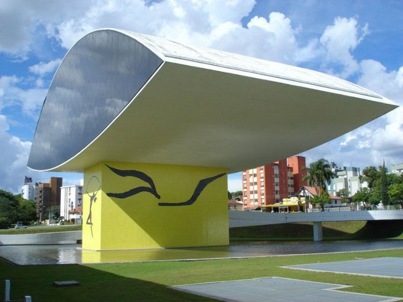 503626 the oscar niemeyer museum in curitiba brazil is known as the museu do olho and the eye can be seen from a distance ΜΟΥΣΕΙΑ