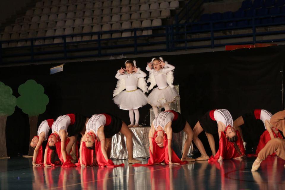 8 3 ΣΤΥΛΙΔΑ ΠΑΣΧΑ 2020 LITTLE WOMANS CLUB